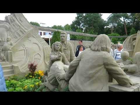 Vlog #12 Zandsculpturen en het zusje